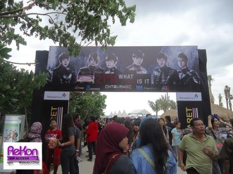 tyas_2pmbanner_Jakarta_081212