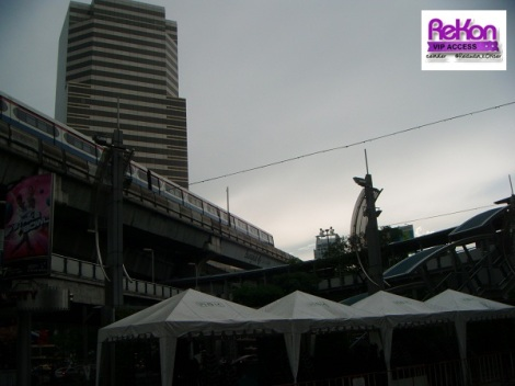 ceinder_bangkok_skytrainview_2011