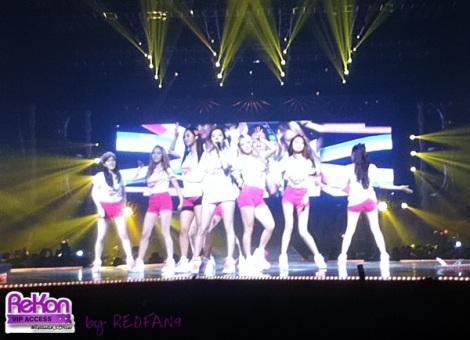 redfan9_14092013_GGTour_pinkshorts2