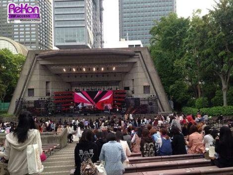 Loka terbuka seperti Open Air Big Music Hall di Hibiya ini pun, setiap tempat duduknya dinomori.