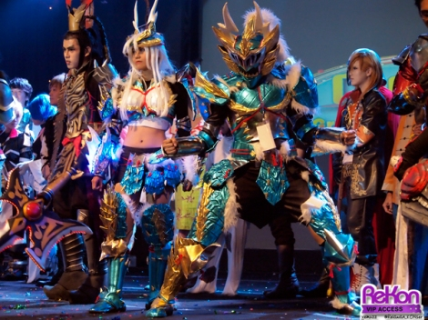 Bukan hanya kostumnya saja yang menjadi pertimbangan juri, termasuk ke dalamnya bagaimana peserta memperagakan kostum sesuai dengan karakter aslinya.