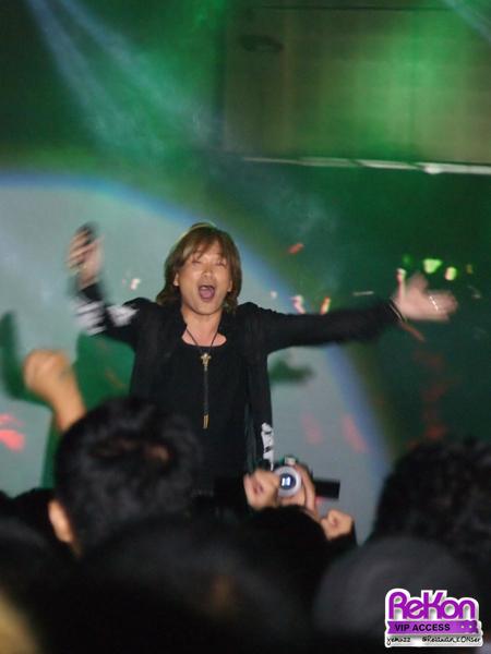 Bukan hanya penonton yang terhibur, Hironobu Kageyama juga terhibur dengan semangat penonton yang menggebu, sampai-sampai dia memberikan encore.