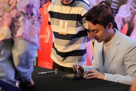 roy-kim-showcase-1